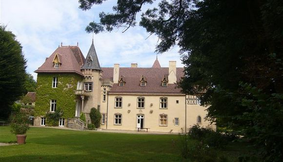 Chemin de saint michel epgv haute loire 43 for Chateau de la chaise